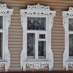 Стоит ли ремонтировать старинные окна?
