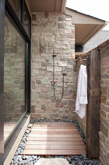 душ на улице