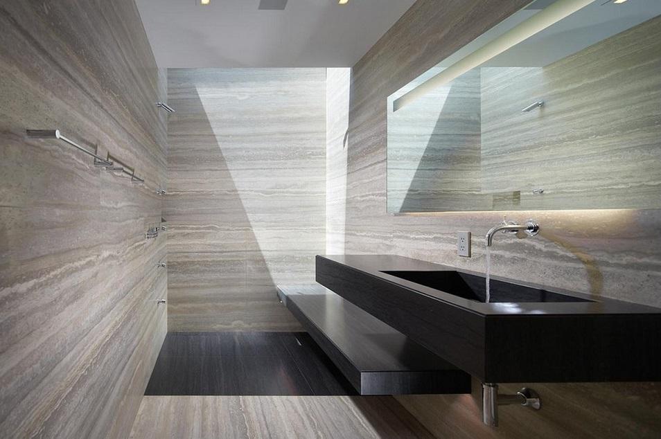 травертин в ванной комнате
