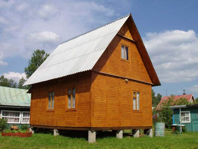 дачный дом на столбчатом фундаменте