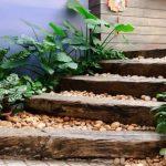 Несколько советов как сделать лестницу в саду
