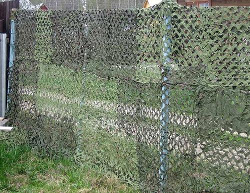 Как и чем закрыть ограждение из сетки рабицы декорирование забора (7)