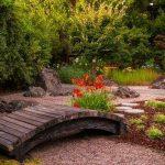 Декоративные мостики для сада — дизайн и идеи