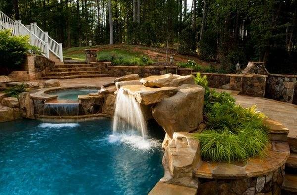 Используйте камни и растительность, чтобы воссоздать природный ландшафт.