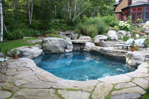 Форма бассейна может значительно повлиять на общий вид.
