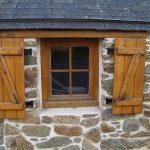 Деревянные окна — монтаж, утепление и наличники на окна