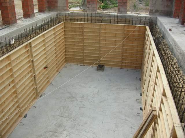 Опалубка для бетонного бассейна
