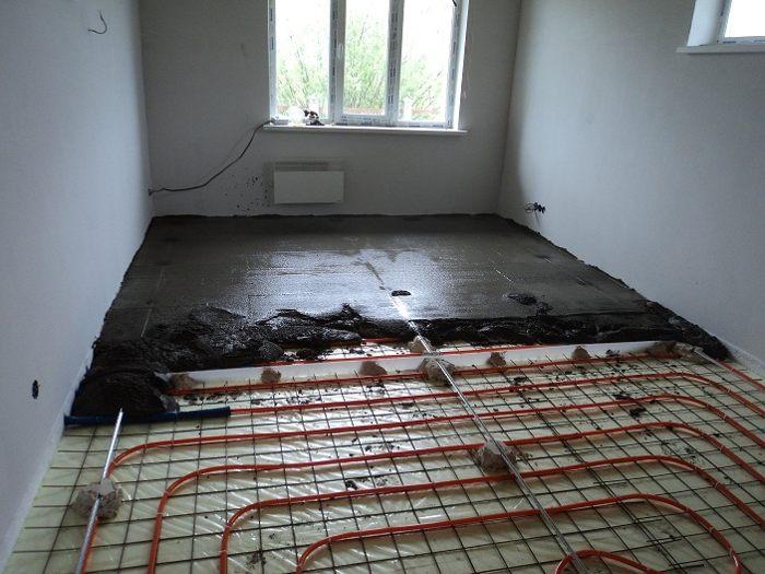 Заливка бетоном водяного пола