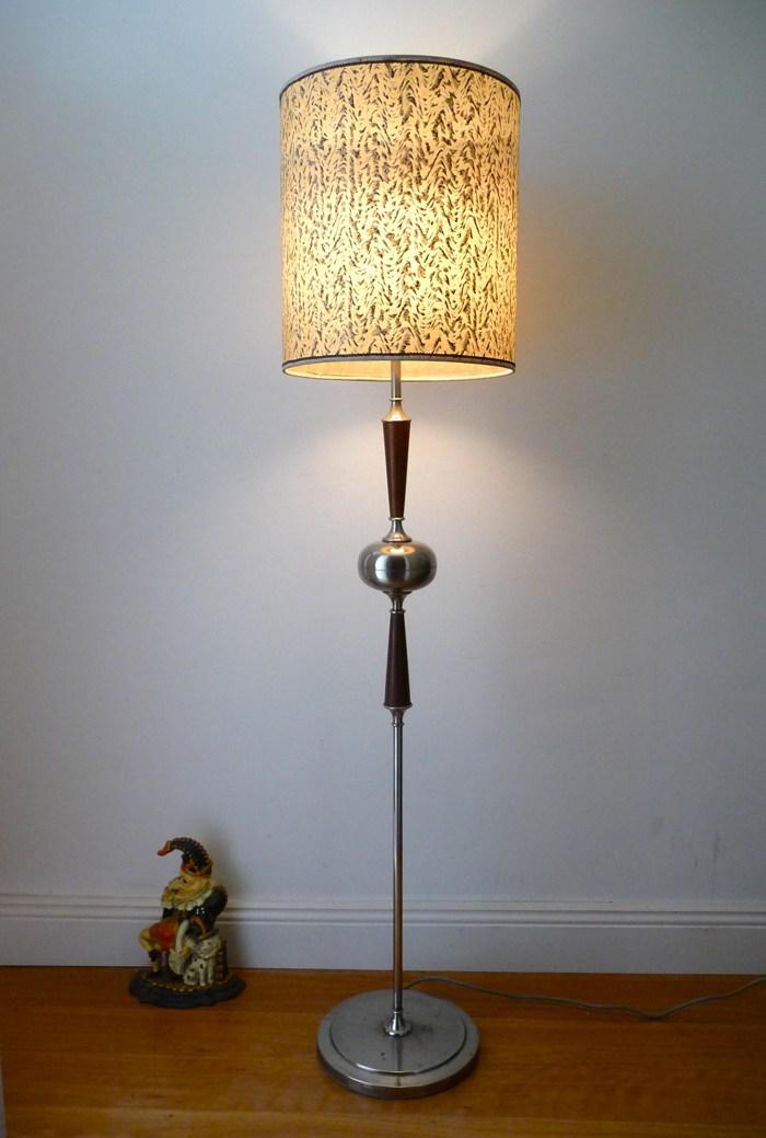 Светильник торшер в стиле ретро