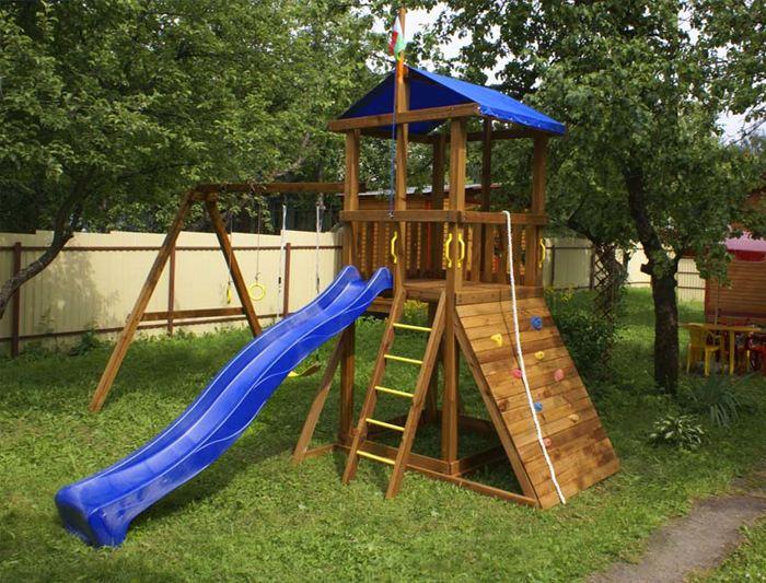 Площадка для детей на загородном участке