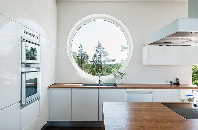 Окно в форме круга