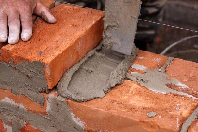 Делаем мангал из кирпича своими руками