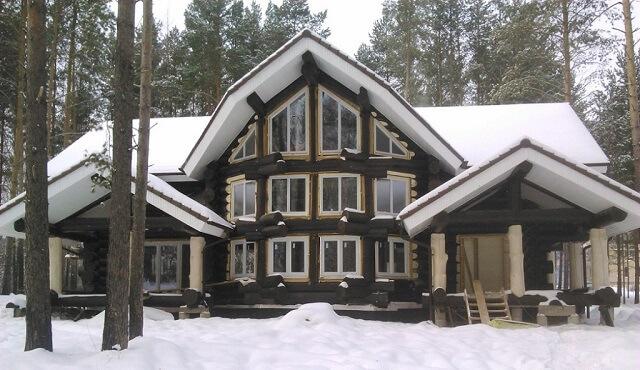 Красивый дом из лиственницы
